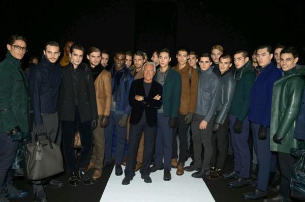 이탈리아 패션의 대가 조르지오 아르마니(중간)와 ...