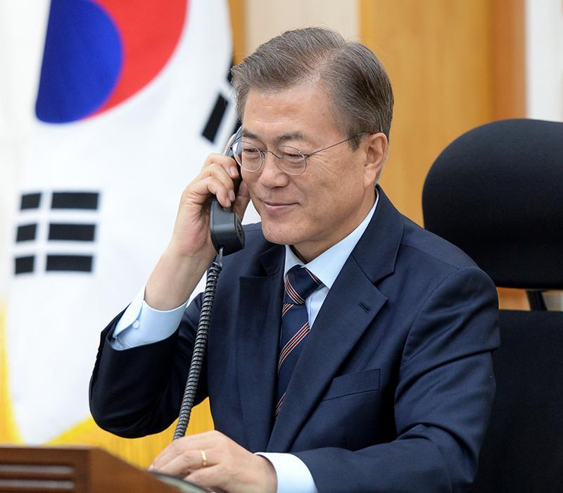 Moon Jae-in telephone_01